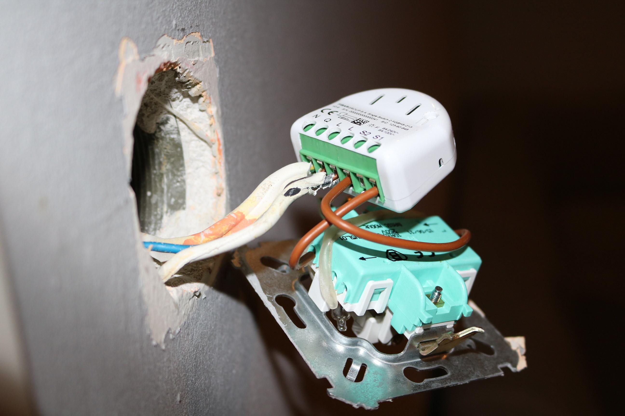 Fibaro Single Switch And Neutral Lacking Installation Mysmarthomekit With Plug Wiring Diagram Podczony Do Wcznika